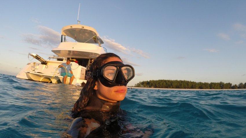 valentine-spearfishing-selfie-boat_h
